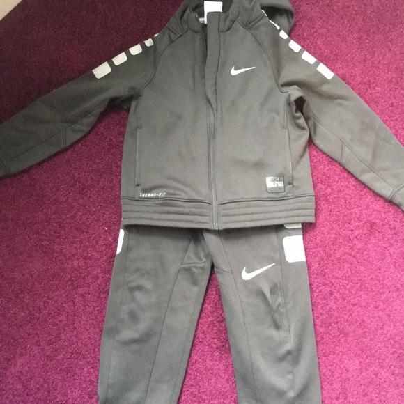a7dbc79b259f Nike Elite warm up suit! M 5bd72f728ad2f909172829b5